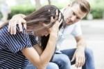 Wie kann man als Freund dem Opfern eines Narzissten helfen?
