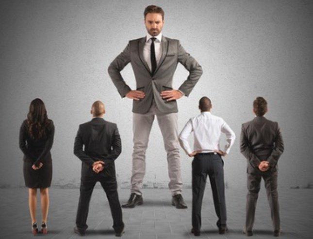 Umgang mit Narzissten im Beruf