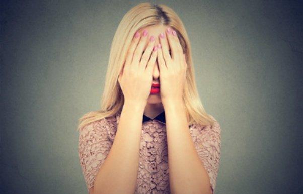 Der Partner schämt sich für den Narzissten