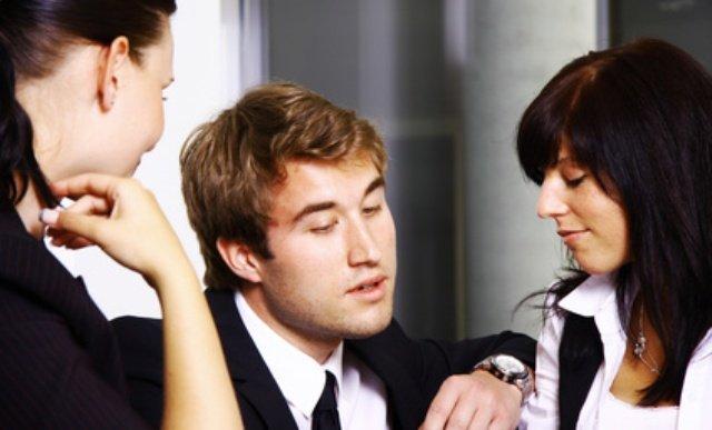 Der amouröse Narzisst zwischen zwei Frauen