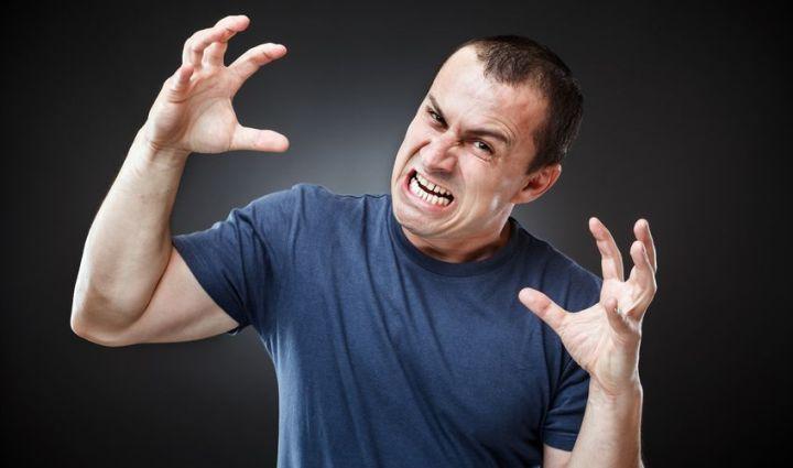 Narzisstische Wut - ein Mann gerät in einen Wutanfall