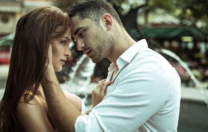 Narzissmus und Liebe: Ein Paar liebt sich