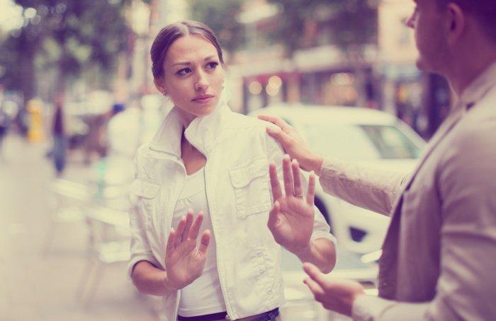 Ich kann mich nicht mehr verlieben: Eine Frau will nicht von einem Mann berührt werden