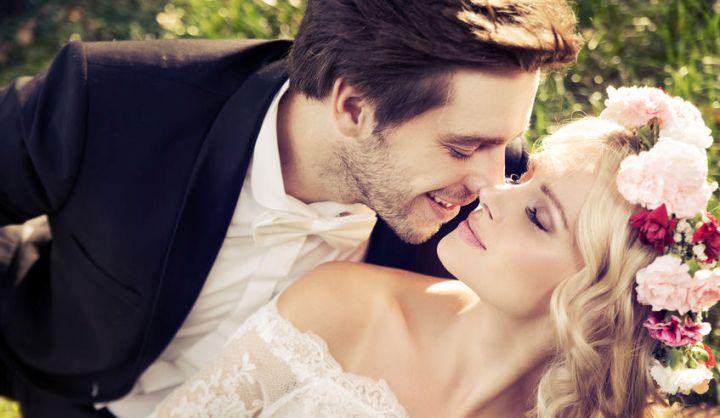Warum heiraten Narzissten? - Ein verliebtes Ehepaar